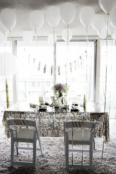 Gold dinner party. Photo by -Aeschleah DeMartino