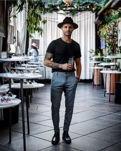 Early Summer Men's Outfit Inspiration Ga… - Lässige Herrenmode Smart Casual, Men Casual, Casual Styles, Men's Business Outfits, Mode Man, High Fashion Trends, Style Masculin, Moda Blog, La Mode Masculine