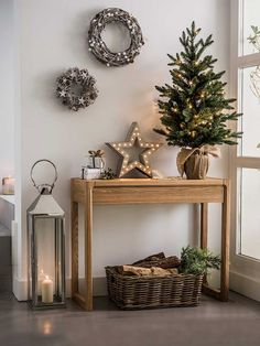 99 Welcoming and Cozy Christmas Entryway Decoration Ideas - Christmas Entryway, Noel Christmas, All Things Christmas, Christmas Crafts, Christmas Christmas, Christmas Island, Scandi Christmas, Minimalist Christmas, Small Christmas Trees