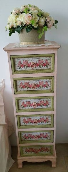 lovin this cute dresser!!!