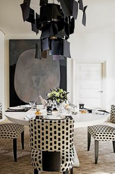 Dotted Lines in a Modern Dining Room. Interior Designer: Alberto Pinto.