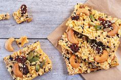 When it comes to snack bars, sometimes it can be better to make your own. This way you can bypass buying any from the shops that can be full of refined sugar and additives! These are the perfect snack to take to work or school, so what are you waiting for?Make your batch of healthy snack bars today!  Makes 12 barsIngredients:4 tbsp (¼ cup) peanut butteror nut butter of choice90g (¼ cup) honey or brown rice syrup½ tsp vanilla extract100g (3 cups) puffed rice30g (¼ cup) cashew nuts 30g (¼…