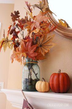 Haal buiten naar binnen met herfstbladeren en pompoenen.