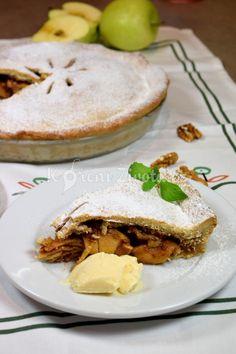 Nedělní americký jablečný koláč s vanilkovou zmrzlinou :-) recept právě teď na www.korenizivota.cz Camembert Cheese, Dairy, Food, Eten, Meals, Diet