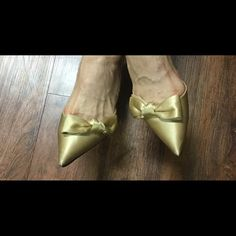 Gold Silk Shoes Beautiful Gold Silk Dress Shoes - wore once for a wedding Caparros Shoes Heels
