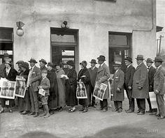 Vote, 19 November 4th, 1924  Women voting finally
