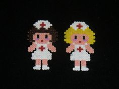 BROCHE ENFERMERA HAMA BEADS MINI