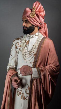 Indian Wedding Suits Men, Best Indian Wedding Dresses, Sherwani For Men Wedding, Mens Indian Wear, Indian Wedding Couple, Wedding Dress Men, Indian Men Fashion, Indian Groom Dress, Mens Fashion Blazer