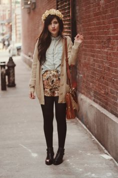 oufit idea! chambray or sleeveless denim button down, high waisted floral shorts, beige cardi, tights, and black booties or combats.