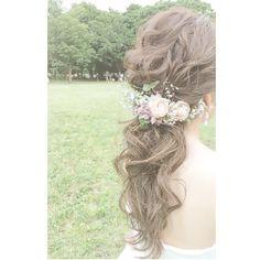 #weddinghair #ウェディングヘア #ローポニーテール #*** . @yuki_xoxok さん後撮りレポ。 . 公園内では #ウェディングドレス へ . チェンジしての撮影。 . 下めポニーへのスタイルチェンジ♡ . ..................................................................... . #結婚式#ヘアアレンジ #hairstyle#メイク#メイクアップ #卒花嫁#2017秋婚#ブライダルヘア #ヘアメイク#dress#2018春婚 #花嫁ヘア#wedding#bridal #髪型#ドレス#美容師 #アップスタイル#hairmake #結婚式髪型#プレ花嫁#恵比寿 #make#美容#銀座#美容室 #hairarrange#メゾンドブランシュ #フォトジェニック Dream Day Wedding, Best Husband, Hair Ornaments, Grapevine Wreath, Grape Vines, Wedding Hairstyles, Hair Color, Hair Accessories, Long Hair Styles