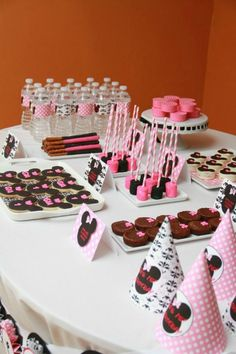 Minnie Mouse party dessert table.  #MinnieMouse #GirlsParties #Birthday
