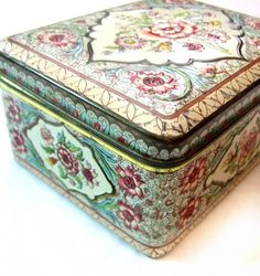 I have this same tin box