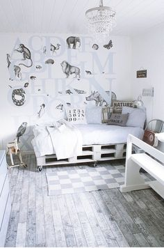bed made out of pallats