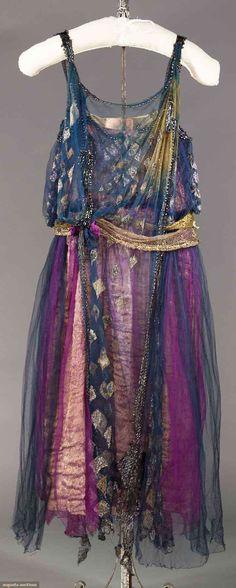 EVENING DRESS, 1915 navy & purple tulle dress, metallic gold lace sash w/ silk flowers (back view)