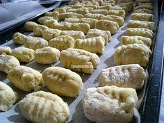 Handmade ricotta gnocchi - best pan fried after! Ricotta Gnocchi, Gnocchi Recipes, Fries, Easy Meals, Eat, Desserts, Handmade, Food, Tailgate Desserts