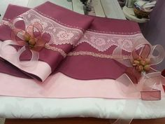 Ribbon Embroidery, Embroidery Designs, Moda Emo, Crochet, Bedding Sets, Bed Pillows, Diy And Crafts, Piercings, Girly