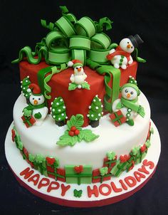 The only inspiration you need to make your best Christmas cake. Browse our gallery of 50 brilliant Christmas cake ideas. Christmas Cake Designs, Christmas Cake Decorations, Christmas Cupcakes, Christmas Sweets, Holiday Cakes, Christmas Baking, Xmas Cakes, Christmas Birthday, Christmas Wedding