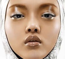 Google Image Result for http://3.bp.blogspot.com/_2iSSI8Mqc5c/S8X-UM_fIMI/AAAAAAAABag/g0BnqbDhI-c/s400/sephora-eye-make-up-metals.jpg