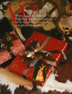 carolyne roehm | Carolyne Roehm!!! Beautifully wrapped gifts topped with pine cones,ornaments, and ribbons!!!Bebe'!!! Love these amazing gift wraps!!!