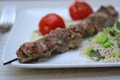 Tandoori-Style Lamb Kabobs Adapted from Cookie Magazine (June/July Kids love kabobs (and so do … Kid Friendly Dinner, Spring Recipes, Kabobs, Yummy Food, Yummy Recipes, Family Meals, Lamb, Beef, Dishes