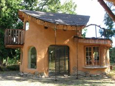 Cob house, I'm obsessed with these. I will make one one day!