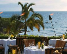 Four Seasons Resort Maui at Wailea, Maui  Dank der U-Form des direkt am Meer gelegenen Four Seasons Resort auf Maui lassen die meisten Suiten einen Ausblick auf die endlosen Weiten des Pazifiks zu und garantieren nahezu jedem Besucher sich dem Meer so nahe wie möglich fühlen zu dürfen. Die...  mehr dazu finden Sie unter: http://www.gf-luxury.com/platz-9-four-seasons-resort-maui-at-wailea-maui.html