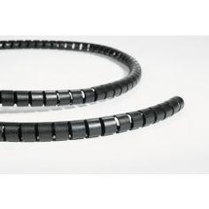 hilfe mit schutzschlauch zur kabelsalat l sung kabel zusammenfassen gegen nager und haustier. Black Bedroom Furniture Sets. Home Design Ideas