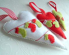 I ~ ♥ ~  these felt hearts ornaments ~ I'm thinking they'd be cute with Cherry appliques...