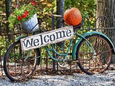 Reminder: Daylight Savings Time Fall Back Sunday, November at 2 AM (Canada, Mexico, United States) Dates and Times for all countries se. Vintage Bike Decor, Bicycle Decor, Old Bicycle, Bicycle Art, Old Bikes, Vintage Bicycles, Bike Planter, Country Sampler Magazine, Love Vintage