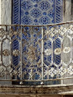 Lisboa - What secret could this window hold beyond its lace curtains? Who could be looking out beyond its laced wall? Portuguese Culture, Portuguese Tiles, Amazing Architecture, Architecture Details, Spain And Portugal, Jolie Photo, Blue And White, Design Inspiration, Iron