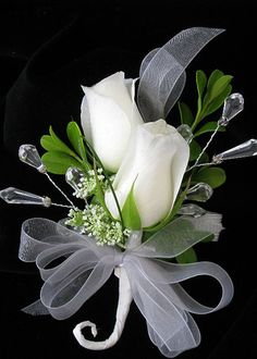 white rose corsage, I like the jewels that were added! Rose Wedding Bouquet, Corsage Wedding, White Wedding Bouquets, Bride Bouquets, Floral Wedding, Wedding Bouquet Prices, Prom Flowers, Bridal Flowers, White Flowers