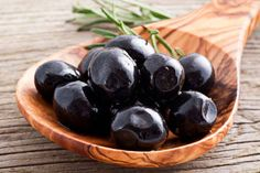 Olives are sometimes ignored by most people. Here are a few least-known health benefits of eating olives. Healthy Foods To Eat, Healthy Snacks, Healthy Recipes, Healthy Eating, Healthy Fruits, Clean Eating, Clean Foods, Ketogenic Recipes, Healthy Options