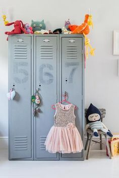 Chiswick - Girl's wardrobe