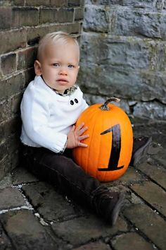 first birthday photo.Could work with a two.Great for a fall birthday! October Birthday, Fall Birthday, Baby First Birthday, Halloween Birthday, 1st Birthday Parties, Birthday Ideas, October Baby, Thanksgiving Birthday, First Halloween