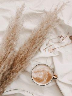 Cream Aesthetic, Aesthetic Coffee, Boho Aesthetic, Classy Aesthetic, Aesthetic Colors, Aesthetic Collage, Aesthetic Vintage, Aesthetic Photo, Aesthetic Pictures
