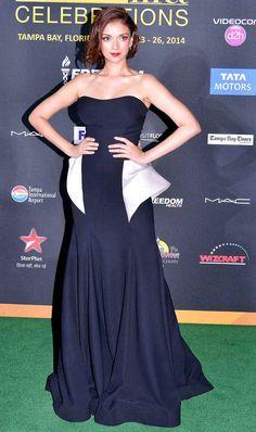 Aditi Rao Hydari on green carpet at #IIFA Awards 2014. #Style #Bollywood #Fashion #Beauty