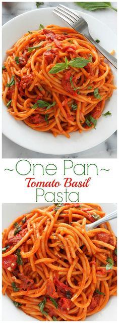 Pan Triple Tomato Basil Pasta One Pan Tomato Basil Pasta! So easy and delicious!One Pan Tomato Basil Pasta! So easy and delicious! Tomato Pasta Recipe, Tomato Basil Pasta, Garlic Pasta, Pasta Recipes, Cooking Recipes, Pasta With Basil, Easy Tomato Recipes, Pasta Tomate, One Pan Pasta
