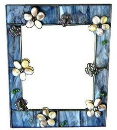 Stained Glass Mirror w/Pebble Flowers Stained Glass Frames, Stained Glass Ornaments, Stained Glass Flowers, Stained Glass Patterns, Stained Glass Art, Mirror Mosaic, Mosaic Art, Mosaic Glass, Glass Picture Frames