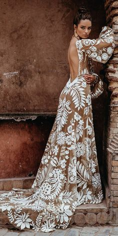 Boho wedding dresses with sleeves are so inspiring and absolutely perfect for those who love flowy light gowns. Boho chic is one of the top trending. Dresses Elegant, Beautiful Dresses, Nice Dresses, Dresses With Sleeves, Boho Beautiful, Long Dresses, Casual Dresses, Bohemian Wedding Dresses, Bridal Dresses
