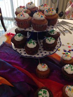 Cupcakes de vainilla y chicolate.