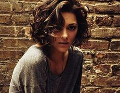 26.Short Curly Hair Style