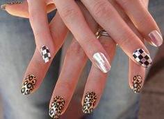 decorated fingernails | are created with photos of decorated nails to paint and models ...
