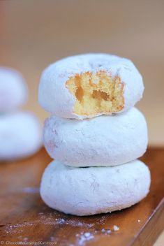Ingredients: 1 cup flour, 1 1/2 tsp baking powder, 1 tsp pure vanilla extract, 1/4 tsp salt, 2/3 cup… http://chocolatecoveredkatie.com/2015/02/20/mini-homemade-snowball-donuts/