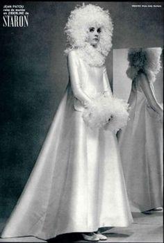 1960s wedding dress and head piece