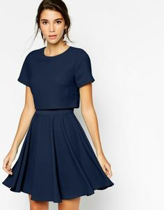 a18e9001 Beautiful cropped shirt with high waisted skirt Layered Fashion, Simple  Dresses, Pretty Dresses,