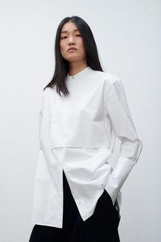 Studio Nicholson, Fashion Details, Fashion Design, Minimalist Fashion, Blouse Designs, Ideias Fashion, Fashion Dresses, Women Wear, Street Style