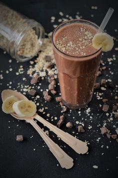Schokoladen-Bananen-Haferflocken Frühstücksdrink (von sugar meets chili)