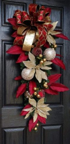 READY TO SHIP Christmas Wreaths for Front Door Holiday Decor image 2 christmaswreathsforfrontdoor Christmas Wreaths For Front Door, Christmas Door Decorations, Christmas Swags, Elegant Christmas, Noel Christmas, Outdoor Christmas, Holiday Wreaths, Holiday Decor, Traditional Christmas Decor