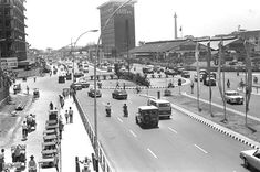 Indonesie, Djakarta, verkeersweg Date 22 augustus 1971 Old Pictures, Old Photos, Unity In Diversity, Historical Pictures, Old City, Times Square, Transportation, Culture, Museum