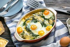 Eggs are a great option for people looking for a simple, healthy breakfast. However, many people make the mistake of adding milk or cream to their scrambled eggs in the hope of getting that … Easy To Cook Meals, How To Cook Ham, La Florentine, Soup Recipes, Healthy Recipes, Free Recipes, Anti Oxidant Foods, Most Nutritious Foods, Vegetables